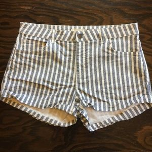 H&M Vertical Striped Gray & White Shorts Size 8